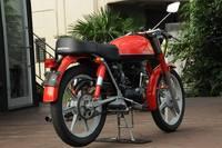 八王子のニュースポットの目印は真紅のスペイン製バイク「インパラ」!