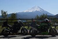 雪化粧の富士山に冬の到来を感じ、冬が来る前に走らなくちゃだわ。