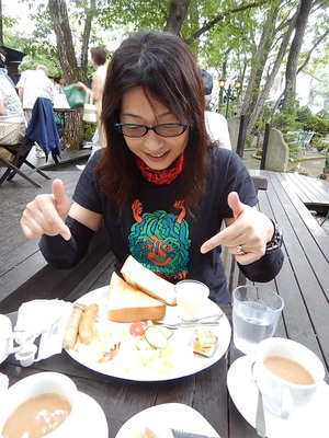"""朝食は180キロ""""朝駆け""""して高原のカフェで♪"""