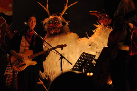 明日の「東6」新宿ライブでは何が飛び出すやら楽しみです。