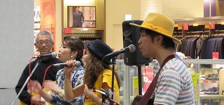 Spoon Live at プレ葉ウォーク浜北。