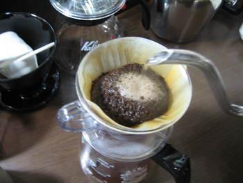 カフェは10:30から営業していま...